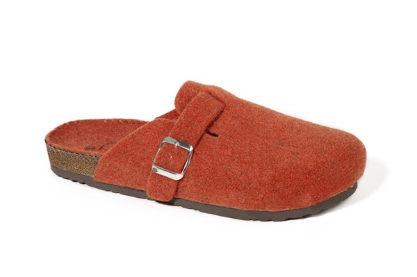Men Buckled Felt Slippers