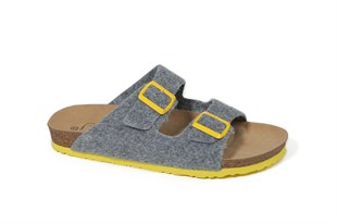 Men Double Buckled Felt Slippers